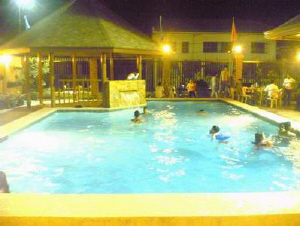 builders pool Philippines